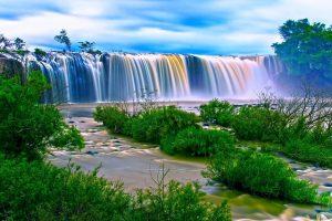 Cascade et chute d'eau vietnam